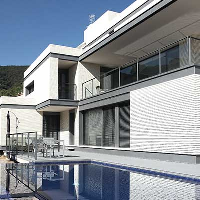 Frontiss brick ventilated façade